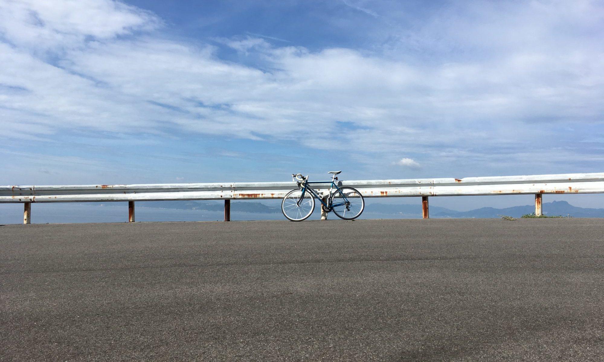 自転車とガードレール